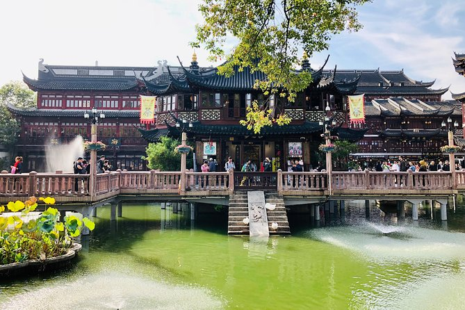 Private Classic Shanghai Layover Tour with Lunch