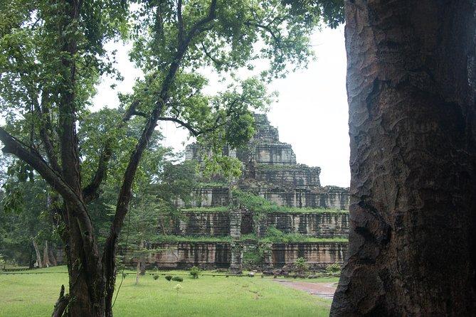 Tour du temple pyramidal de Koh Ker