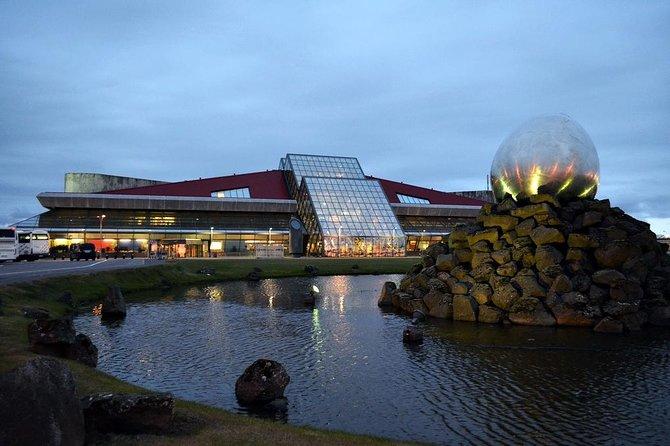 Keflavik To Reykjavik Private Luxury Airport Transfer