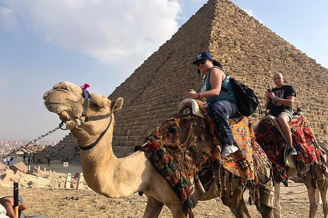 Private Day Tour Visiting Giza Pyramids, Transfers and Lunch Included