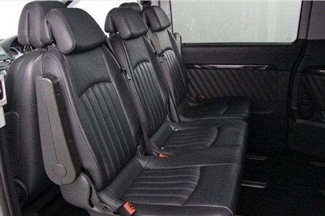 Dublin airport transfer to Belfast city hotel 4-6 people private chauffeur