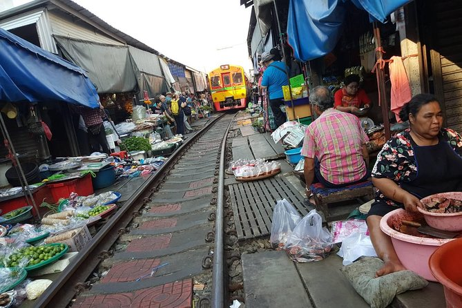 Train Market, Floating Market, Grand Palace and Wat Pho - Day Trip