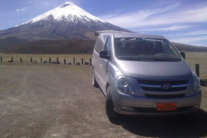 Transfer Airport Quito-Hotel or vice versa with bilingual driver-guide