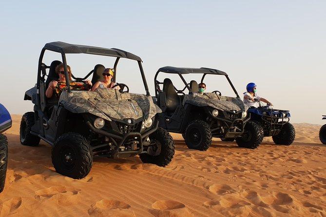 Self Drive Dune Buggy Desert Safari con sandboard y cena en el campamento del desierto