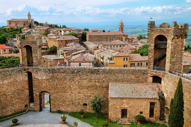 Brunello of Montalcino Private Wine Tour with lunch from Florence or Siena