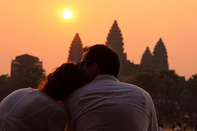Angkor Sunrise Jeep Tour