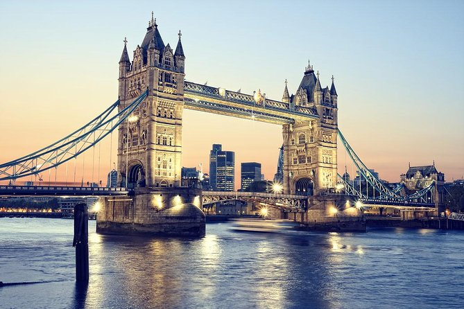 River Thames London Cruise & Full (Halal) International Buffet