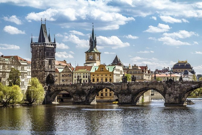1-way Prague to Vienna - private transfer - Mercedes Benz - up to 8 persons photo 6