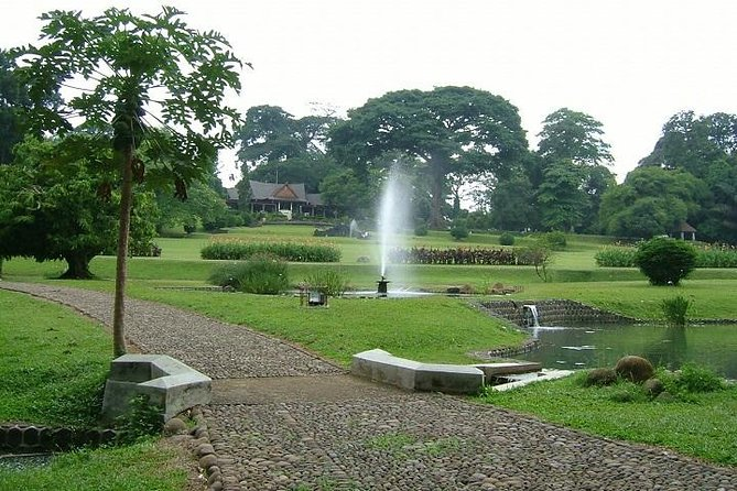Private Full Day Bogor Harmony Tour with Lunch from Jakarta