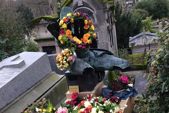 Bundle of Père Lachaise Cemetery Walking Audio Tours by VoiceMap