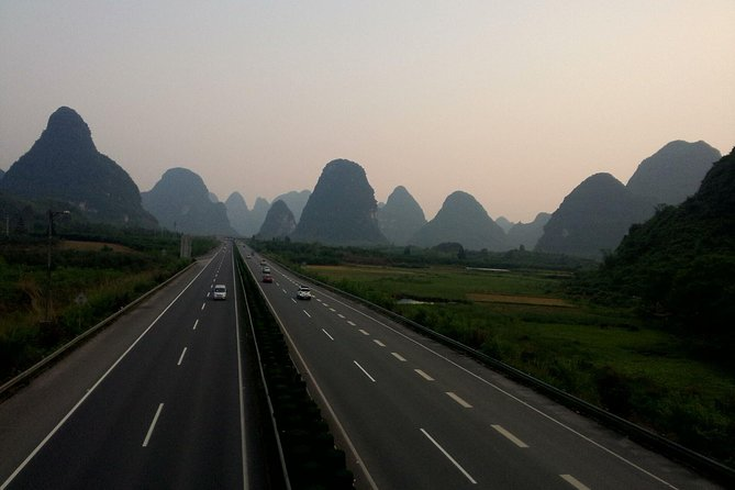 Private car from Yangshuo Hotel to Guilin Liangjiang International Airport(KWL)