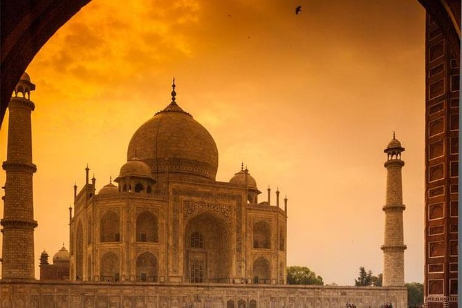 Private AGRA Sightseeing by Luxury Vehicle