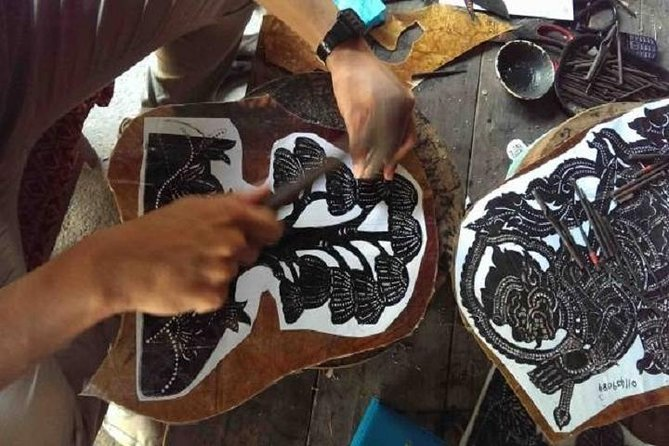 #Carving#Leather#Traditional way#