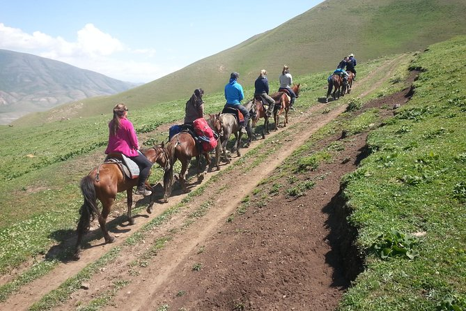 Horseback riding in Kyrgyzstan photo 3