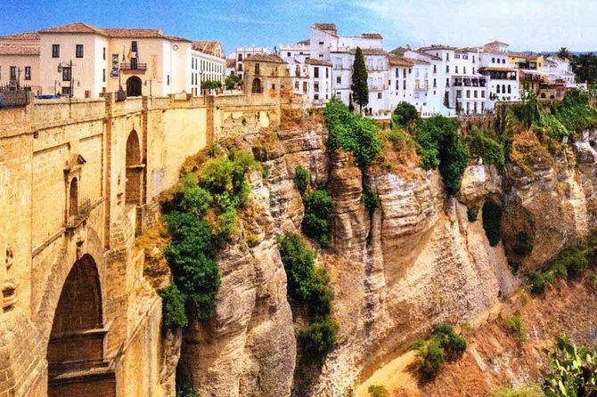 Seville Private Transfer to Granada with a Visit to Ronda