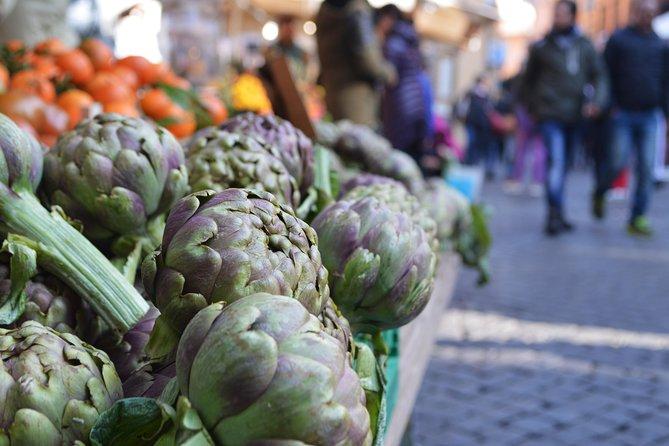Campo dei Fiori Market and Trevi Fountain District Food & Wine Tour in Rome