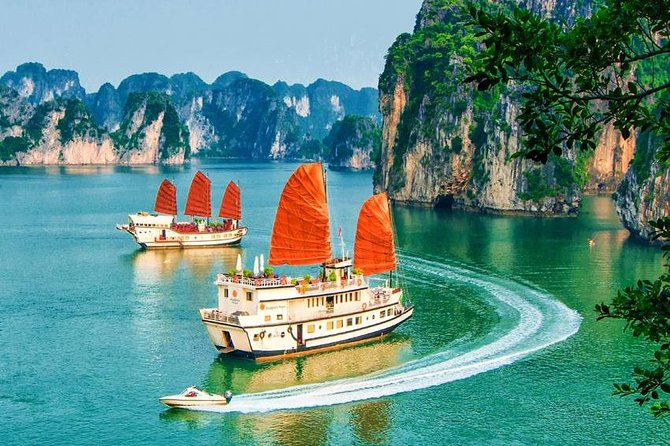 Halong bay 2 days 1 night on 3 star cruise