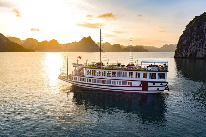 Fantastic 2 days-1 night Lavender Cruise with:kayak,meals,fishing,transfer,guide