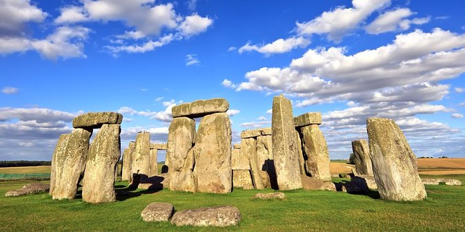 Post Cruise Tour Southampton to London via Stonehenge in a Private Vehicle