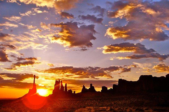3.5 Hour (Sunrise) Monument Valley Tour