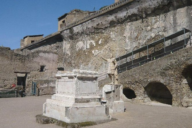 Herculaneum Ruins photo 1