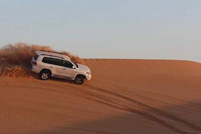 Dubai: Extreme Desert Safari with Dinner