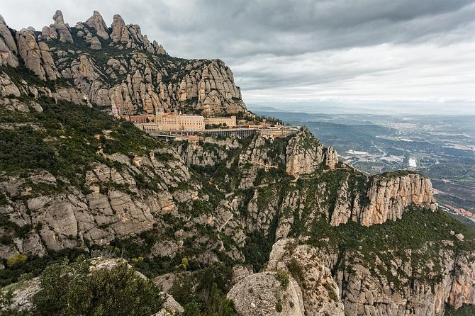 Departure Private Transfer Montserrat to Barcelona Airport or City by Minibus