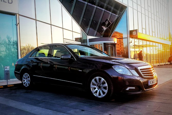 Private transfer: Krakow Airport - Krakow City