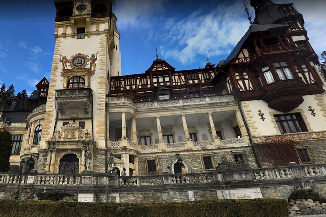 Sinaia Peles Bran Brasov Small Group for 2 Transylvanian Castles in 1 Day