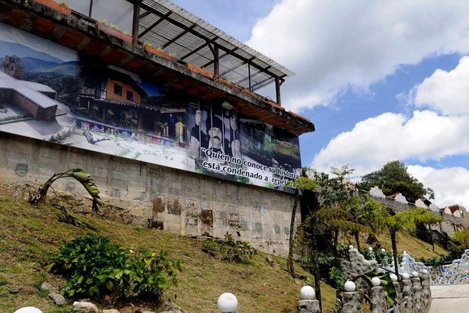 Pablo Escobar tour and Colombian history (just history, we don't glorify)