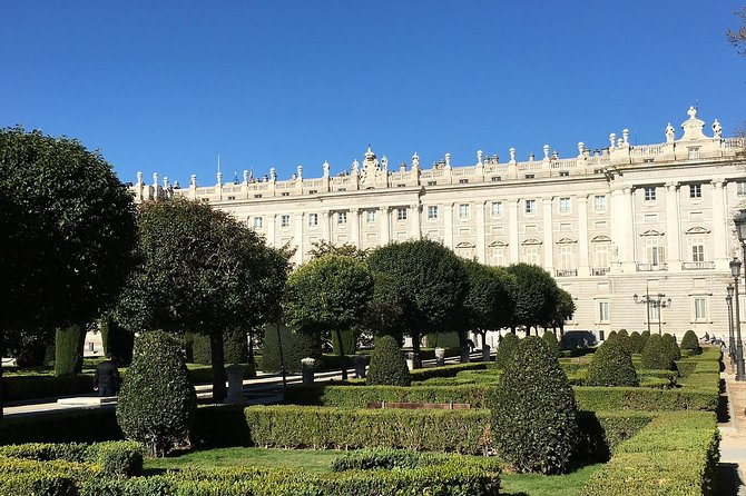 Guided Tour with Preferential Access to the Royal Palace of Madrid photo 1