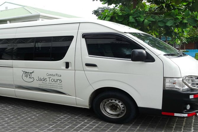Private One Way Transfer from Arenal, La Fortuna to Manuel Antonio