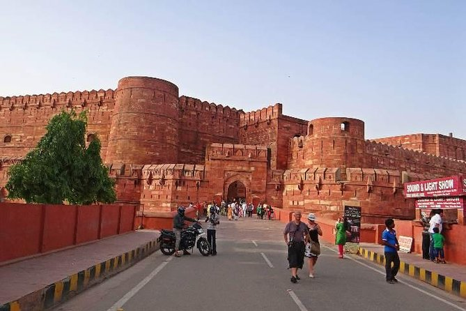 Explore Agra From Delhi And Drop At Jaipur With Transport