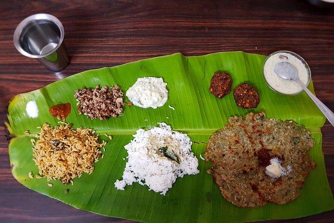 バンガロールの遺産の家で地元の料理と食事