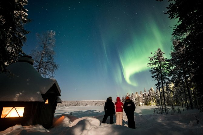Aurora Hunt by Private lake, in a Lappish Wooden hut, 4 hours