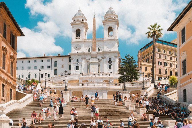 Piazzas e Fountains: Walking Tour of Rome - Pick up included