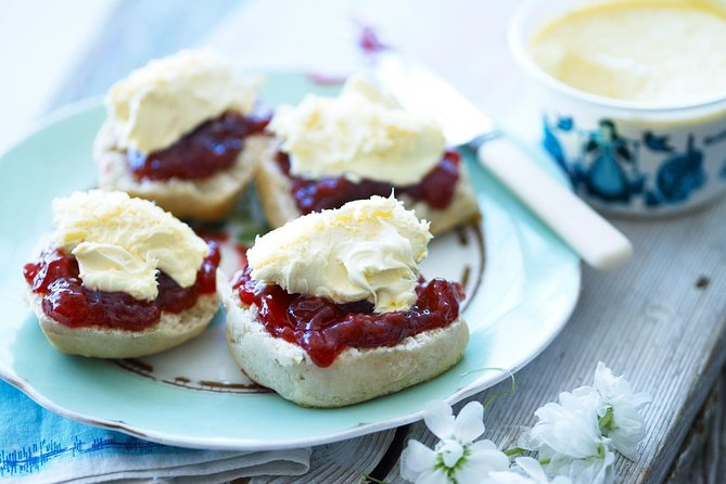 Forth Boat Tours Edinburgh sightseeing cruise with Cream Tea