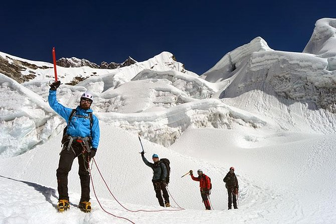 Island Peak Climbing via Everest 3 High Passes Trek photo 1