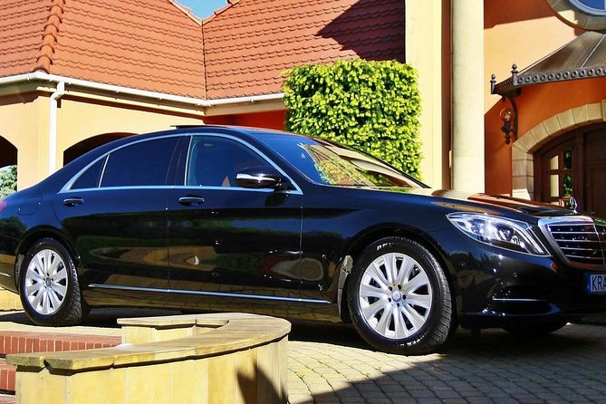 Private Round-Trip transfer from Krakow airport to hotel in Krakow