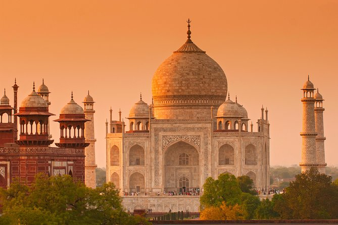 Private Day trip to Agra with Taj Mahal,Fort and lunch at ITC Mughal