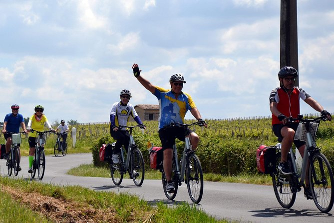 Bordeaux Region 8-Day Cruise with Biking Tours & Wine Tastings