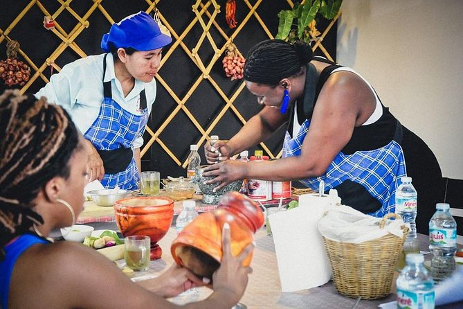 Easy Thai cooking with Phuket Landmarks and Night market tour