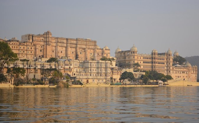 Udaipur Sightseeing Tour With Guide