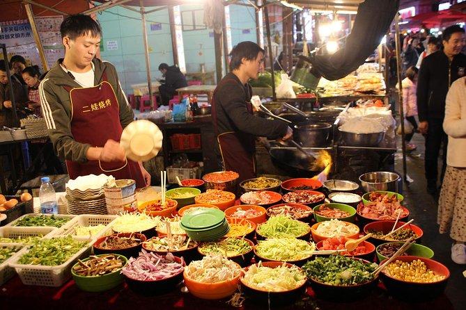 Njut av som en lokal - Kunming Food & Markts turné med tunnelbana