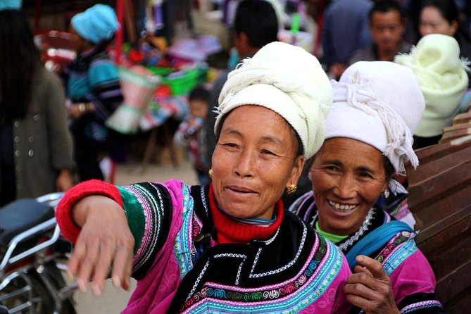 All included 4 Days Hong'he Hani Rice Terraces & Minority Markets private tour