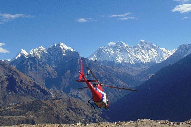 Everest Base Camp Hubschrauberrundfahrt Land in Kalapatthar (5550 m)