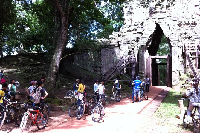 Private Bicycle journey in the Temples