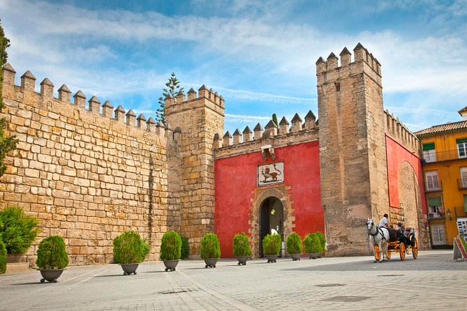 Skip the line: Alcazar Guided Tour in Seville photo 6