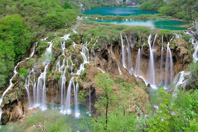Transfer From Zagreb to Split with a stop at Plitvice lakes
