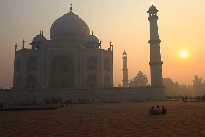 Private Taj Mahal at Sunset and Agra Day Tour from Delhi